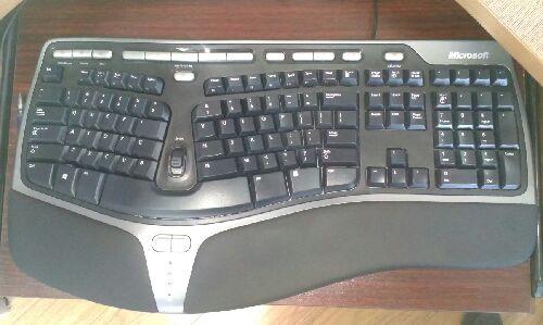 哪种键盘非常适合编程和编写代码?