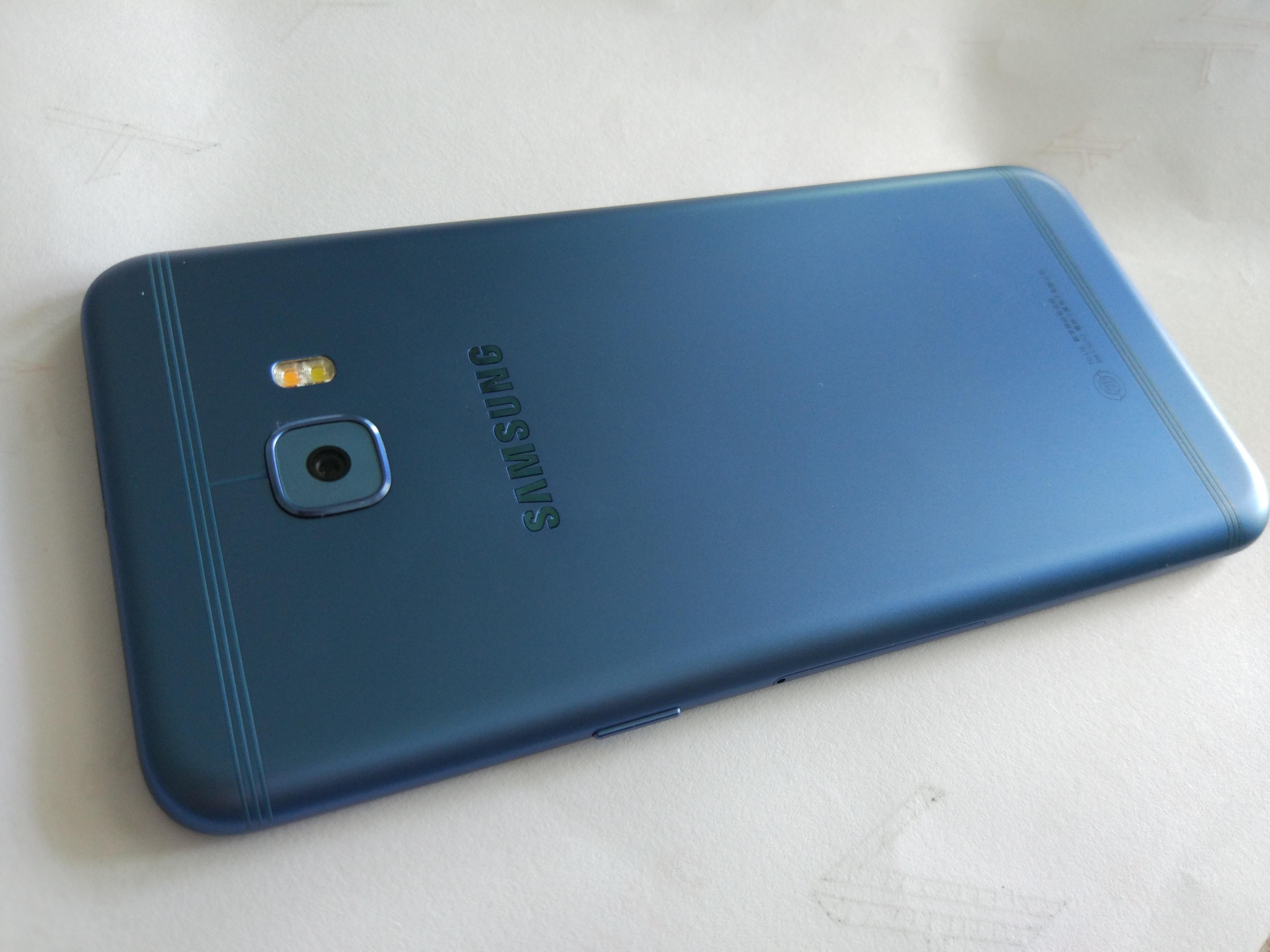 手机 三星手机 三星galaxy c5 pro 点评  优点: 5.