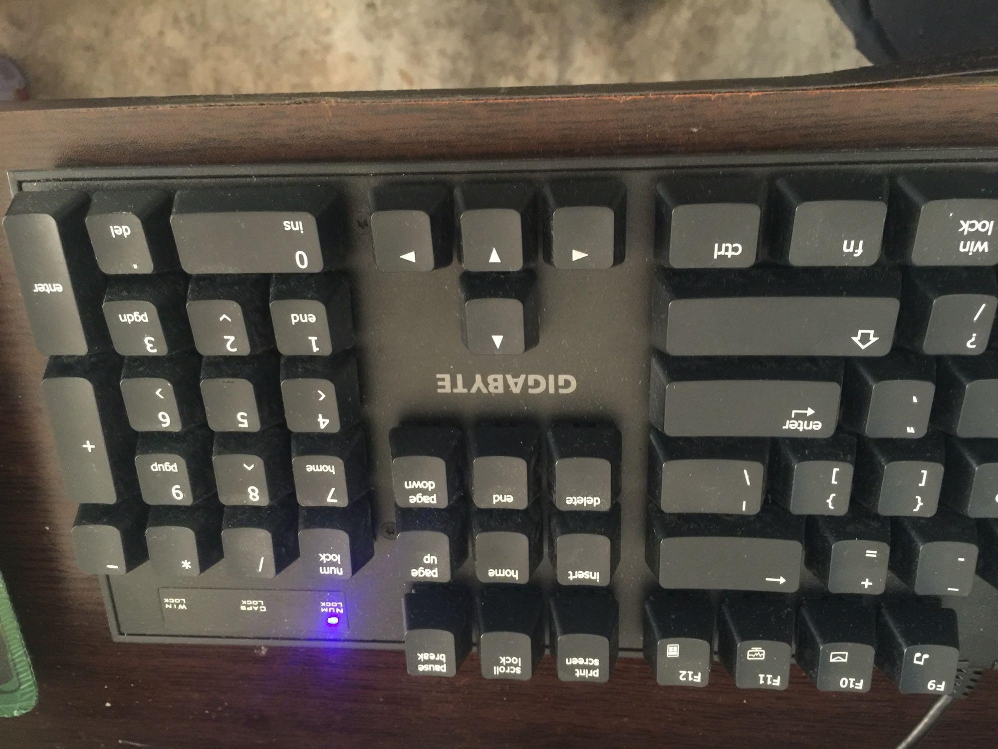 机械式游戏键盘_技嘉force k83机械式游戏键盘点评